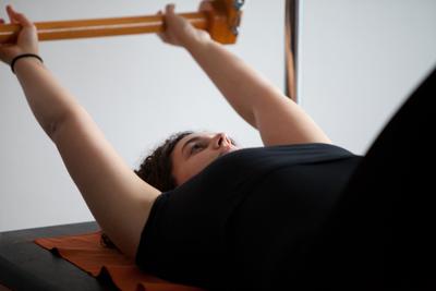 Mar Pilates a Vic, el pilates és un mètode d'entrenament fa que el cos es desenvolupi d'una manera equilibrada